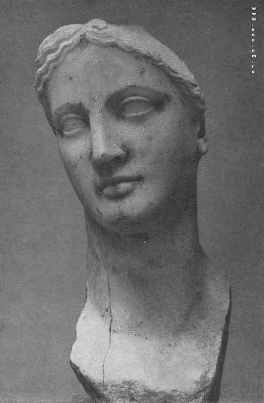 мраморная голова богини